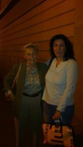 Macarena con la escritora Begoña Aranguren.